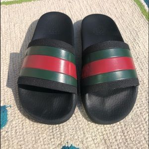 Authentic Gucci slides unisex size 2 euro 31